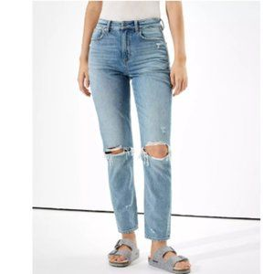 AMERICAN EAGLE Ripped Mom Jean Distressed HighRise
